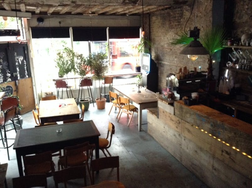 Photo of Main Bar at 186 Hoxton