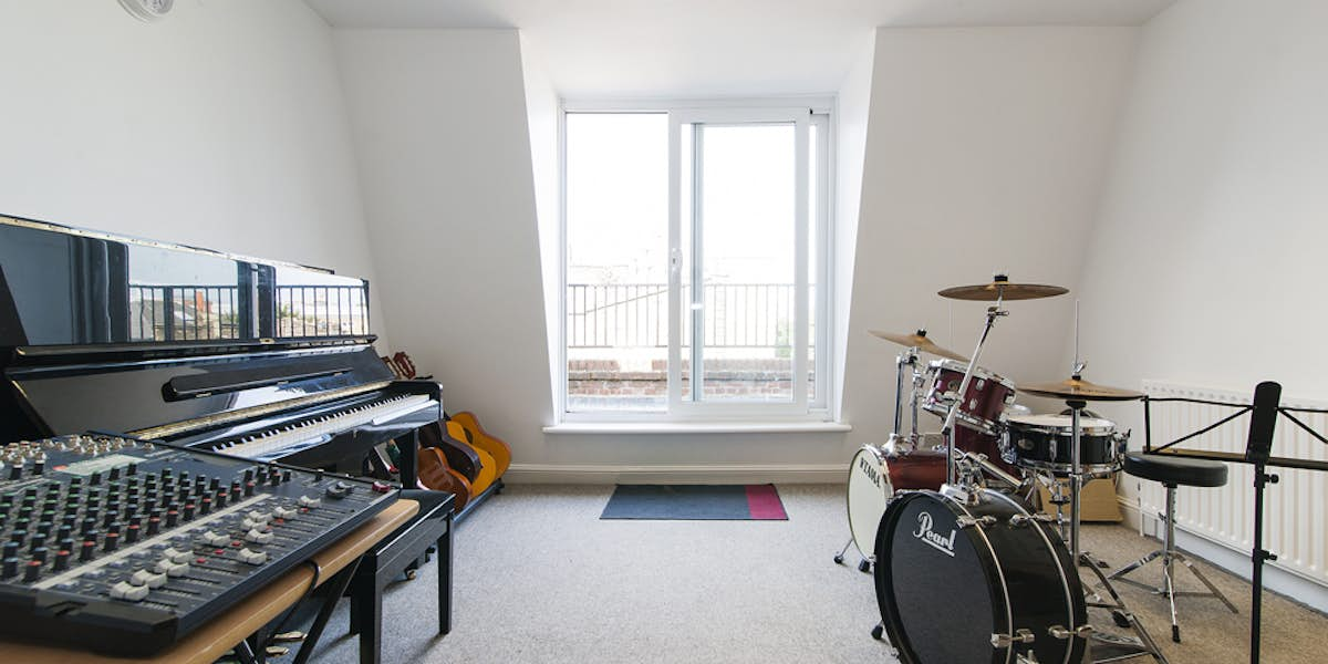 Music Rooms With Piano Hire London