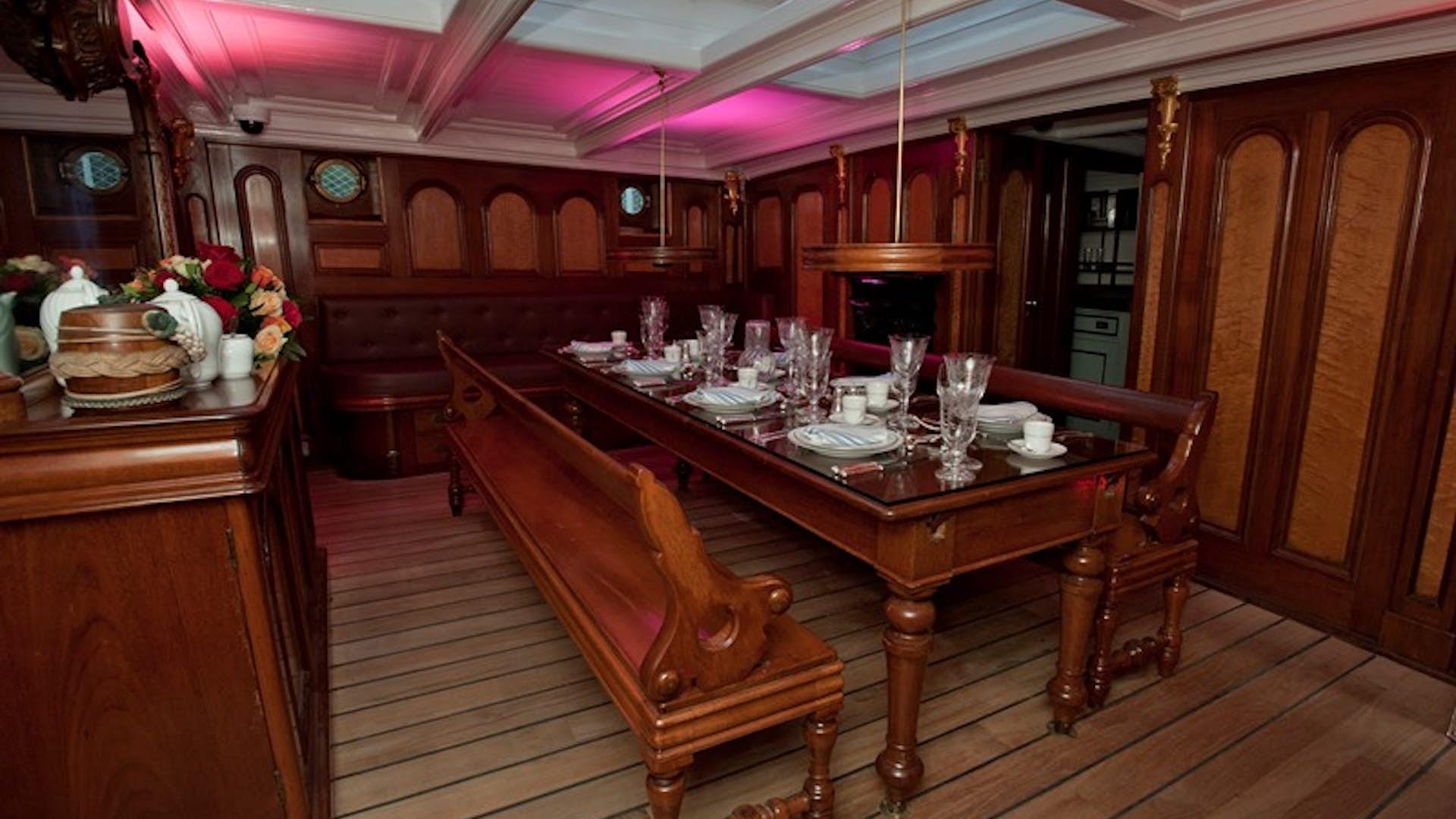 Masters Saloon, Cutty Sark
