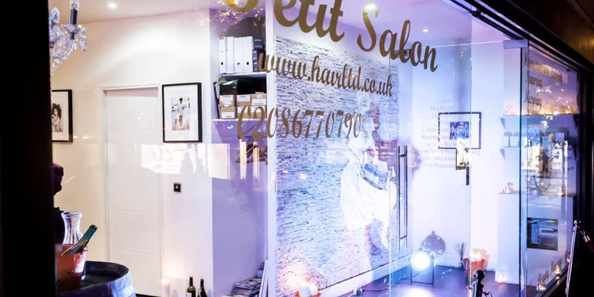 hire le petit salon