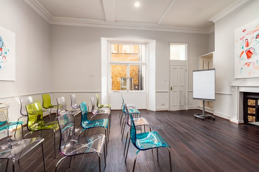 Photo of First Floor Hub2 at 2 Soho Square - MeWe360
