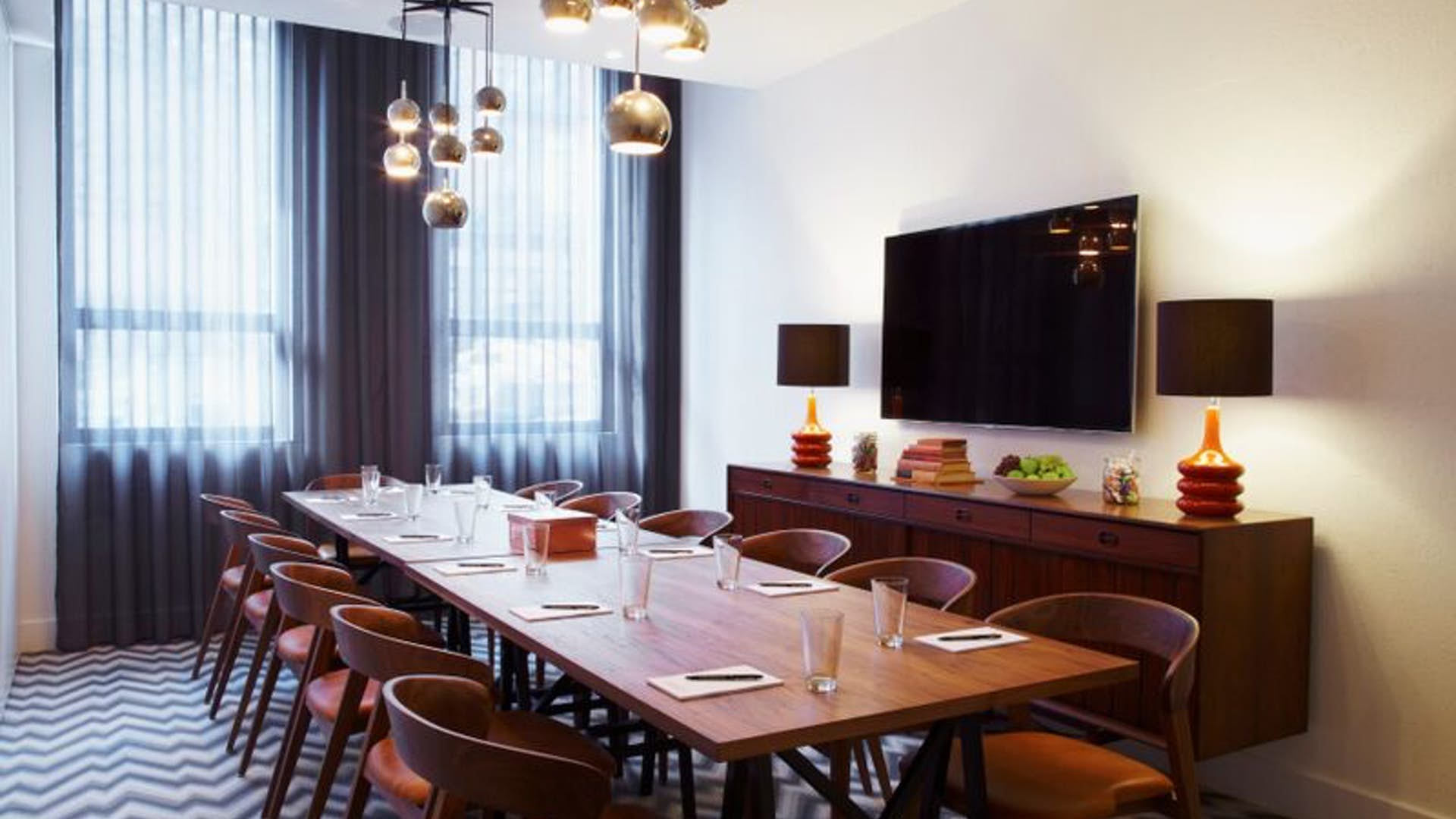 Dining room business the hoxton holborn for Q dining room london