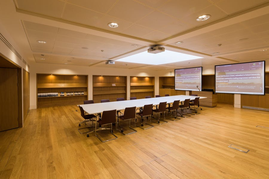Photo of Classroom 1 and Clore Lecture Room at Park End Street Venue, Saïd Business School, University of Oxford