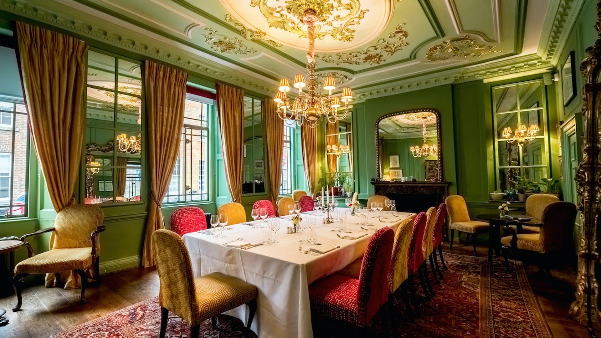 Le Salon Vert Dining L Escargot