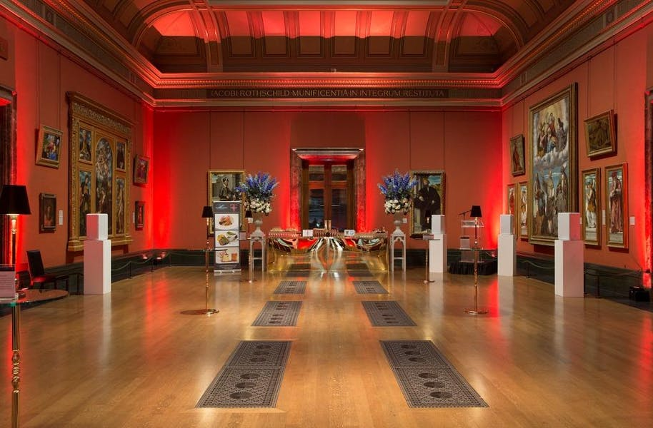 Photo of Central Hall at National Gallery