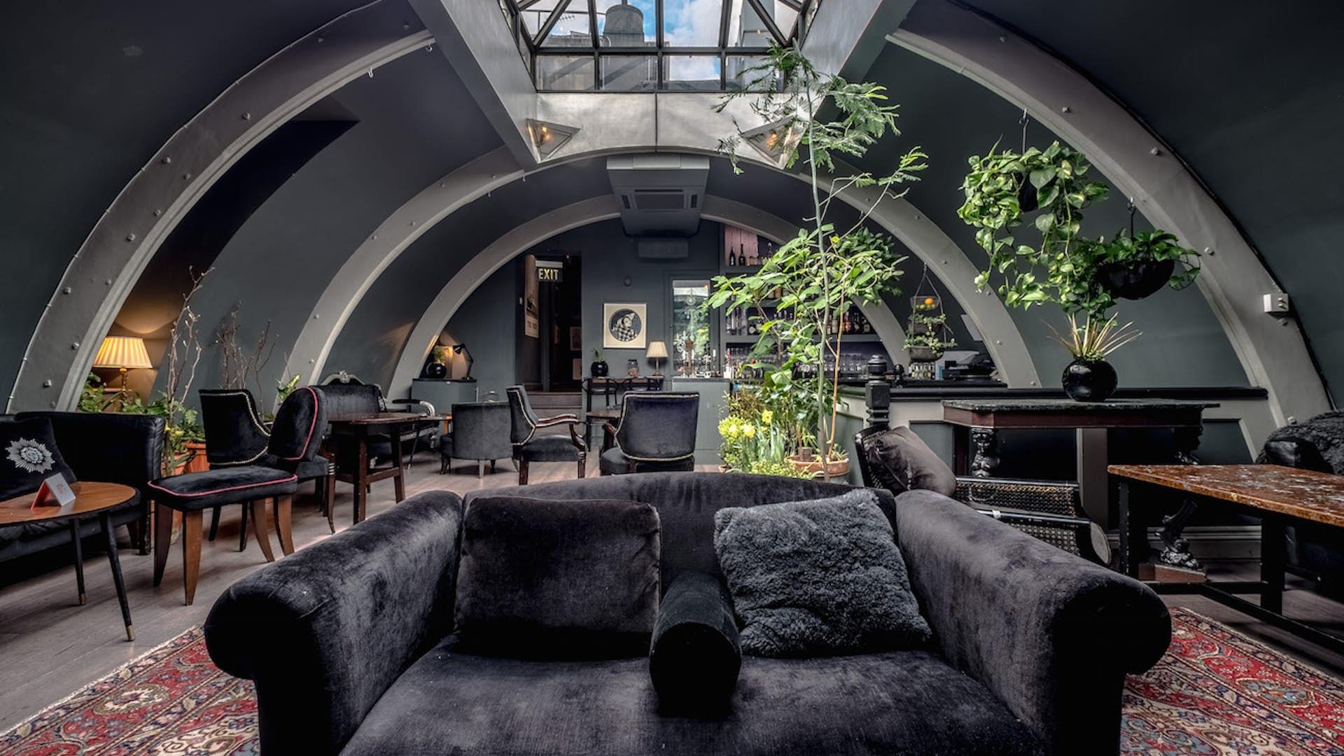 Le grand si cle salon noir pop up l 39 escargot - Le salon noir ...
