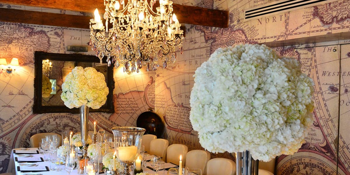 Hire mews of mayfair for Best private dining rooms mayfair