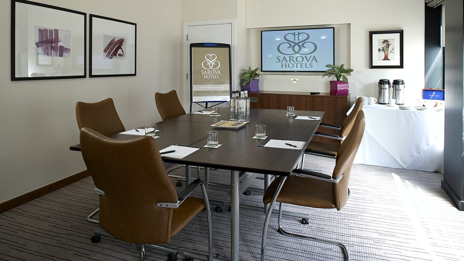 Highgrove Boardroom Business Sir Christopher Wren