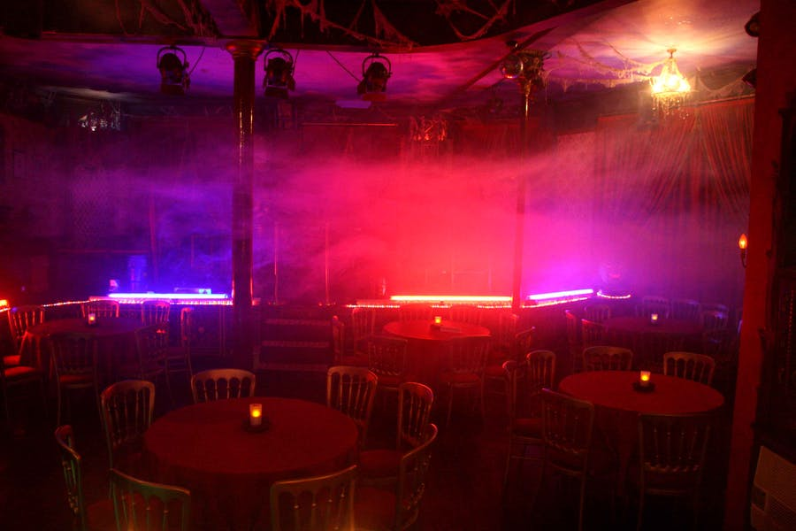 Photo of Whole Venue at Simon Drake's House of Magic