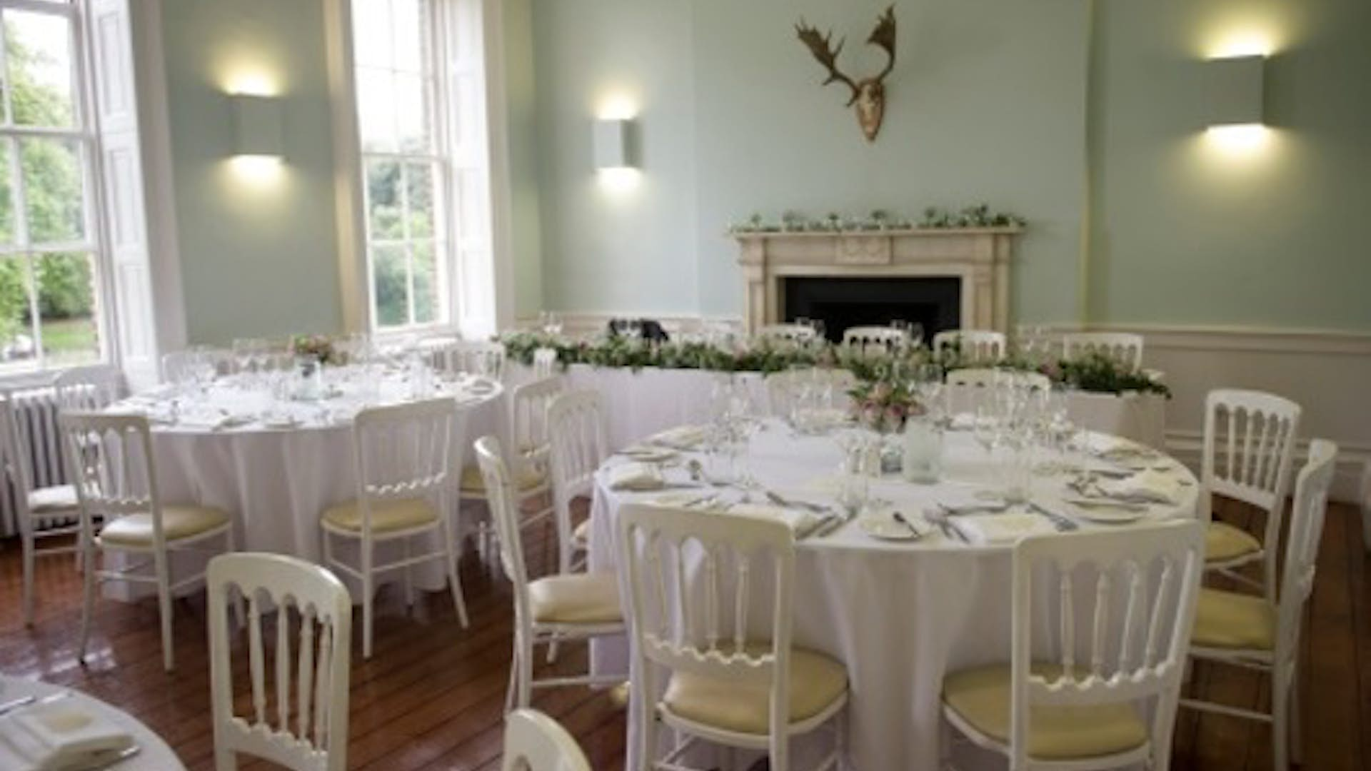 Dining room weddings clissold house for Q dining room london