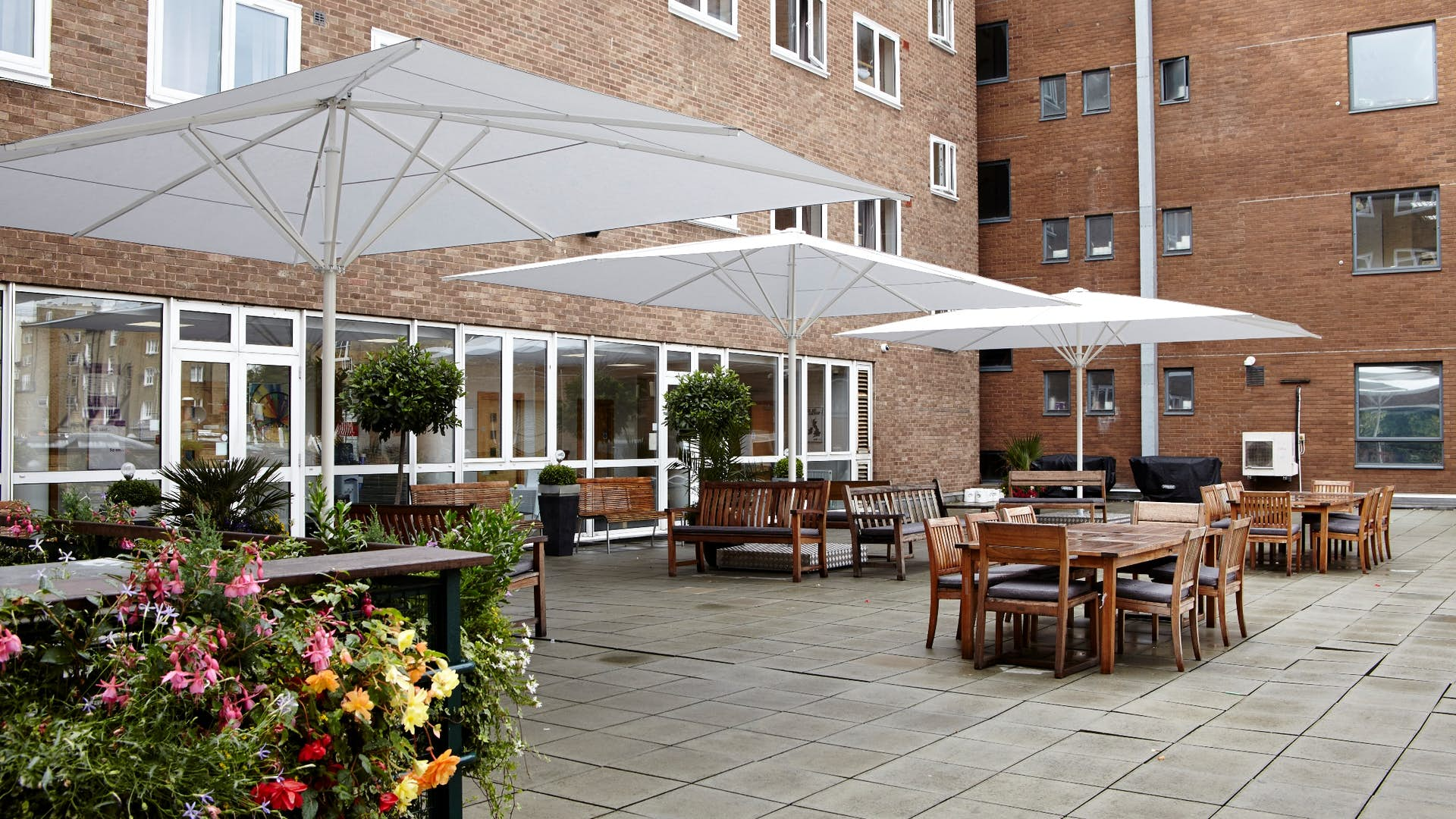 Rooftop terrace events 65 queen 39 s gate for Queens gate terrace