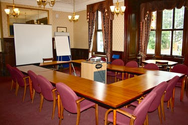 Hire Space - Venue hire Board Room at Spring Grove House