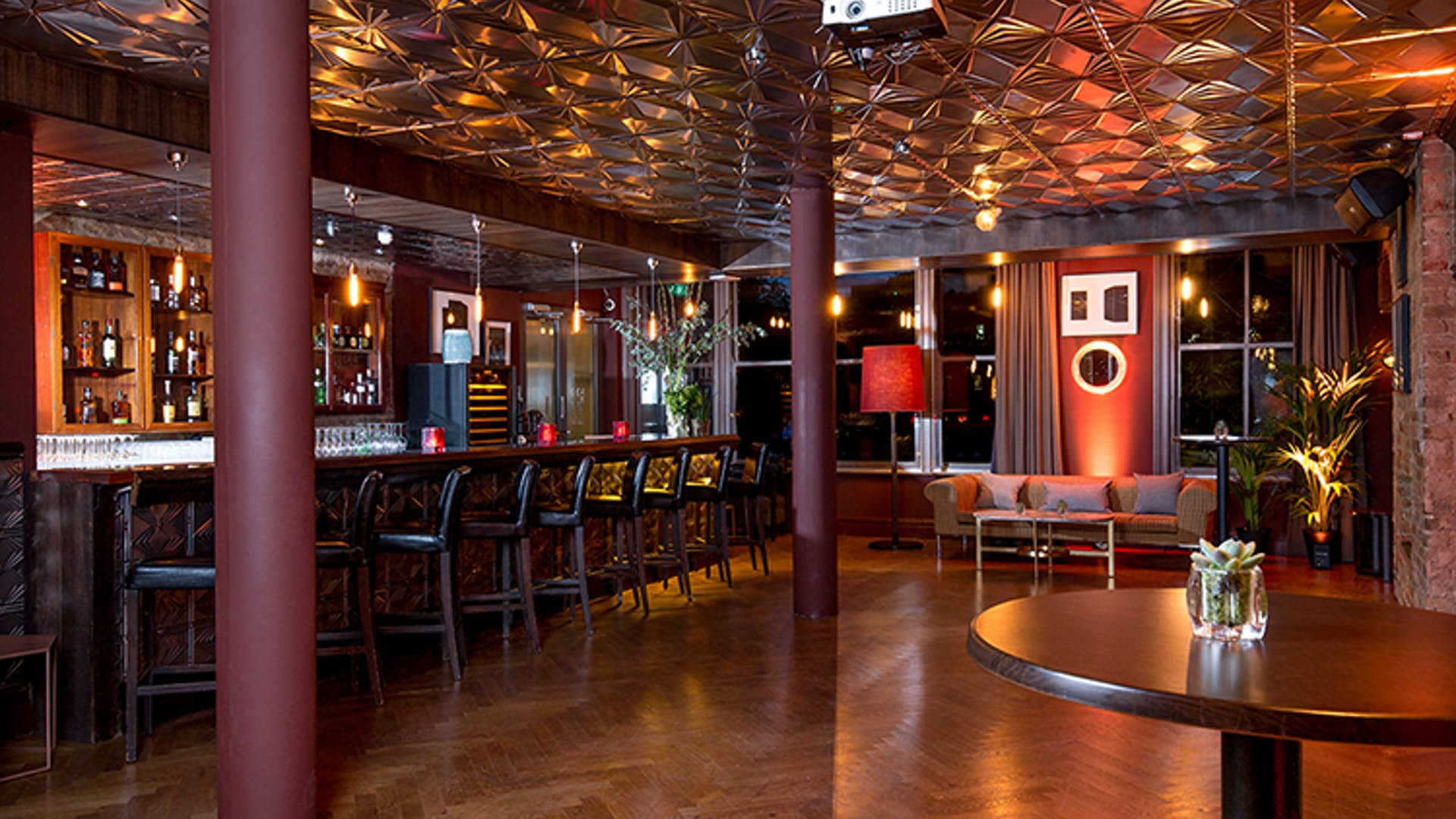Century Club Cocktail Lounge