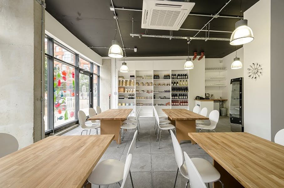Photo of Meeting Room at Jenius Social