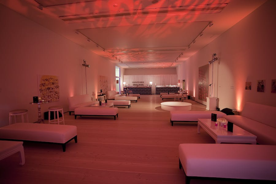Photo of Whole Venue at Saatchi Gallery