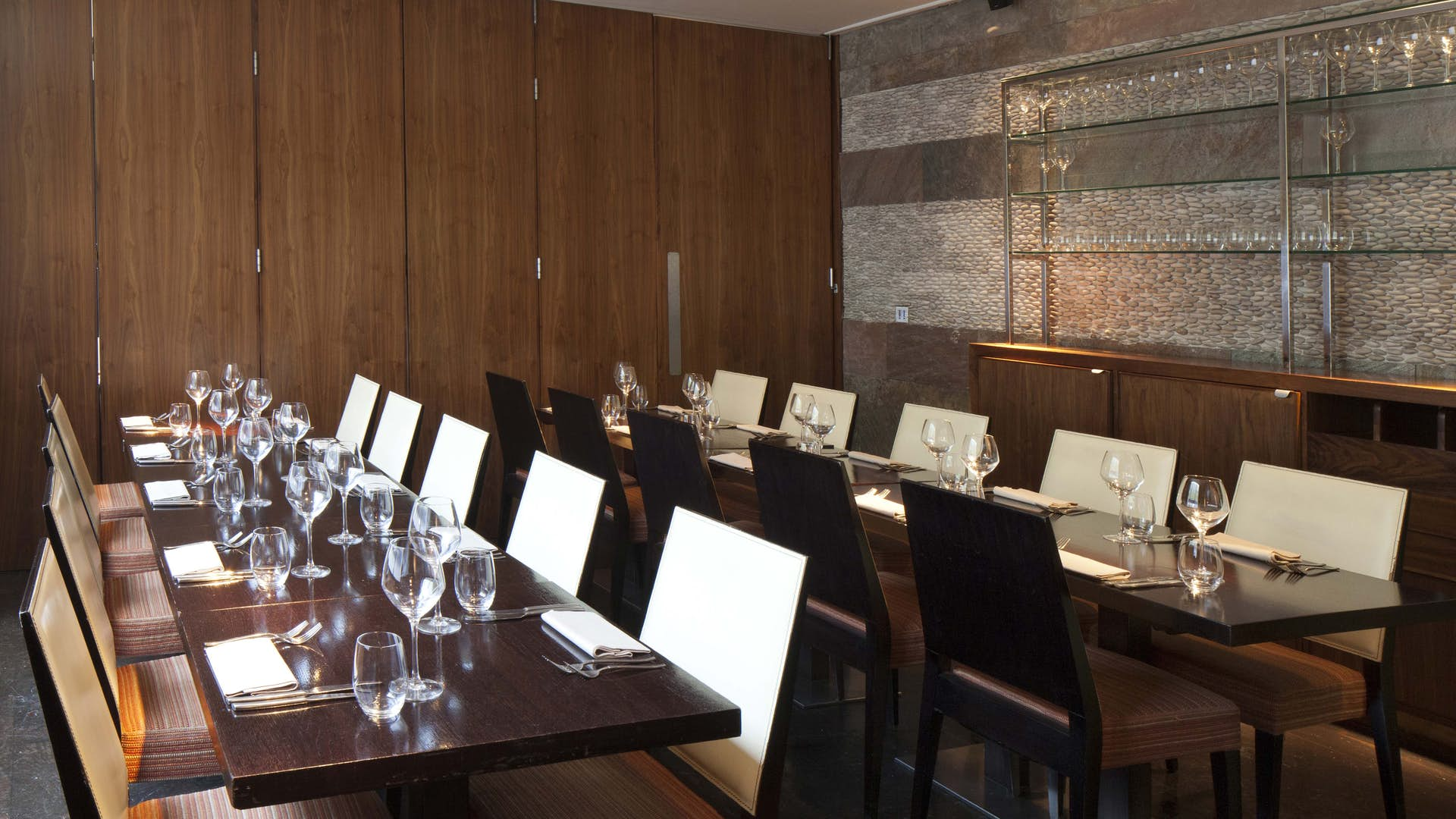 Private dining room business hire mint leaf lounge for Q dining room london