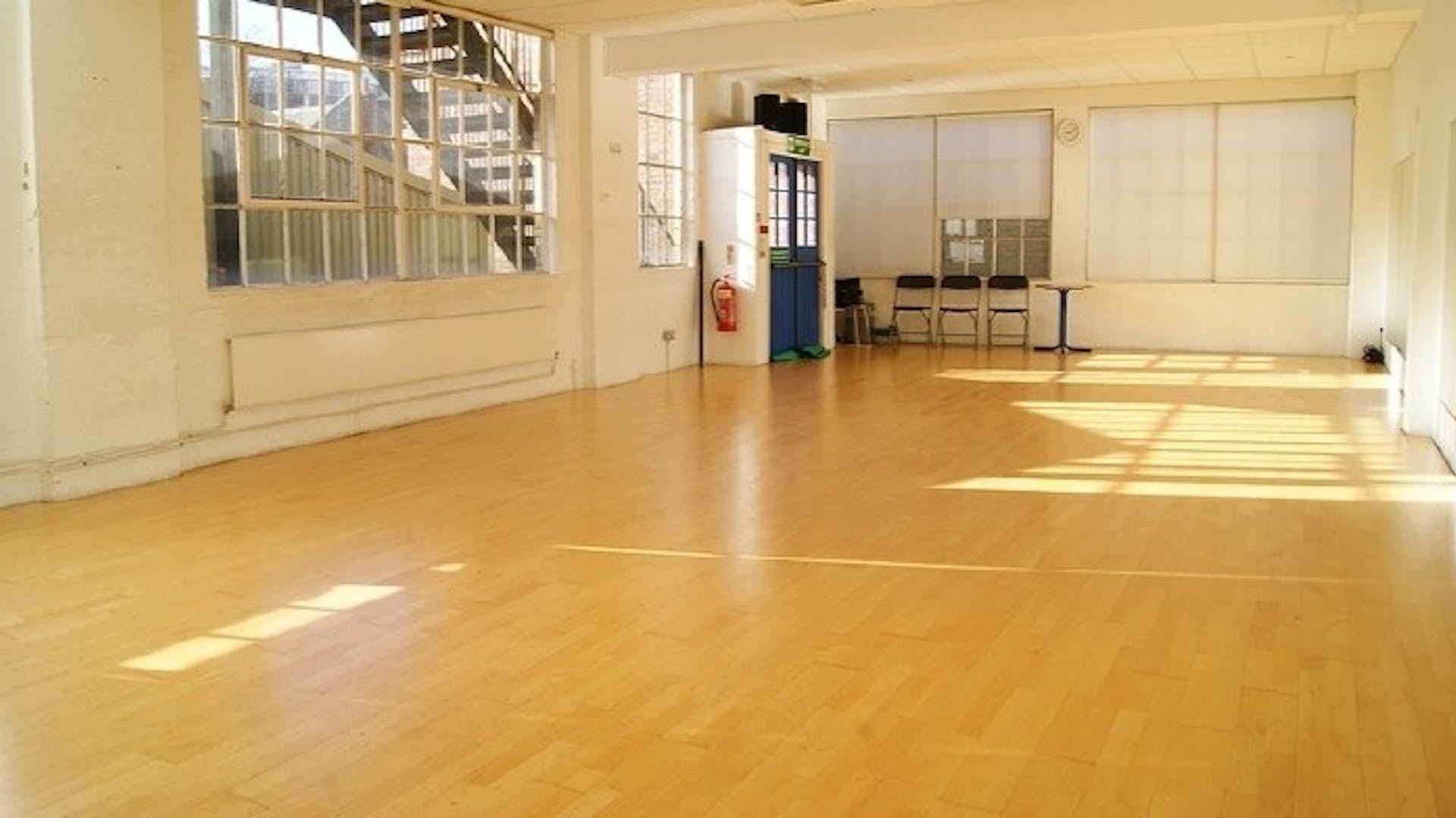 Paris arts hire the factory fitness dance centre