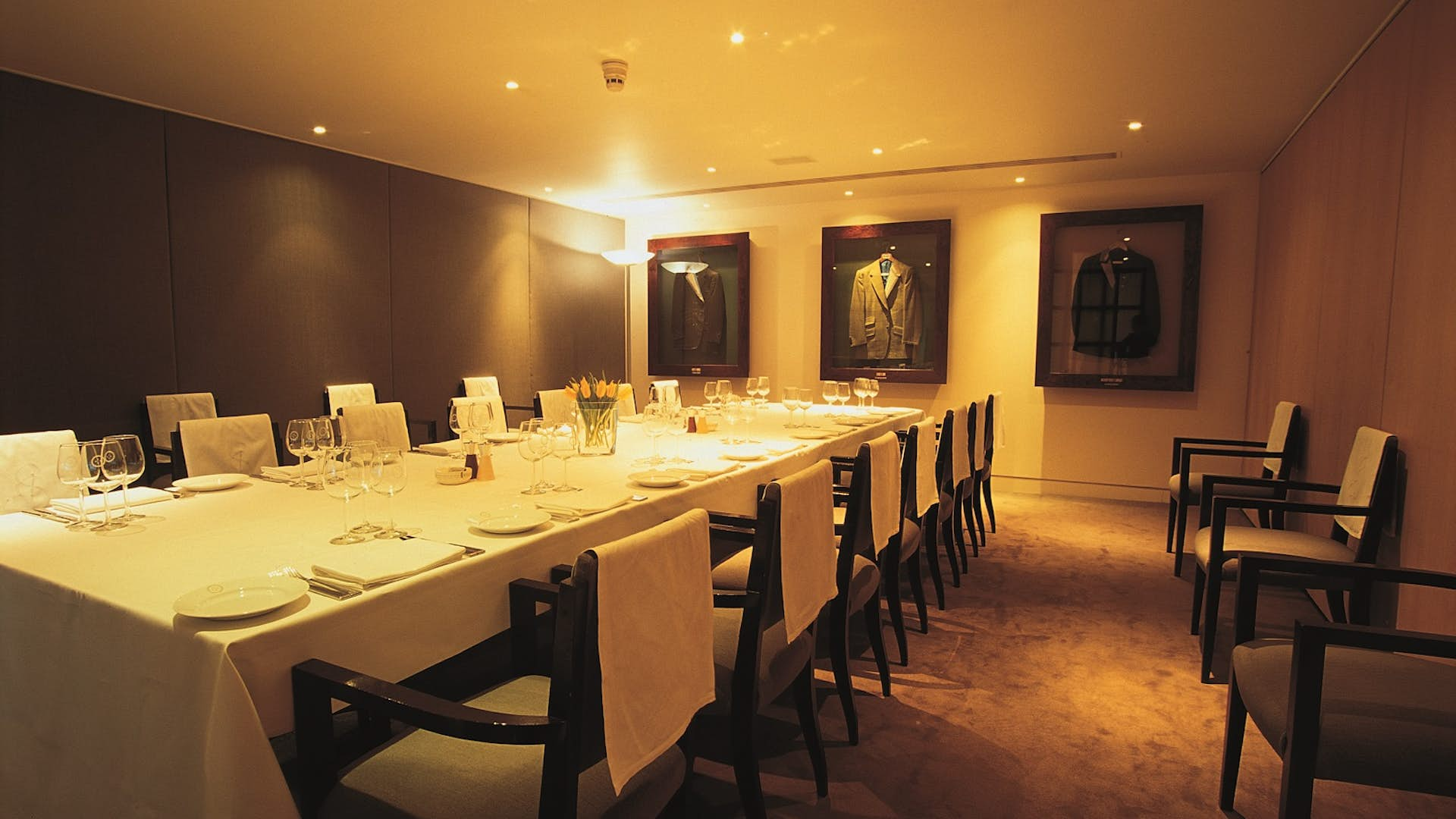 Private dining rooms business hire sartoria for Q dining room london