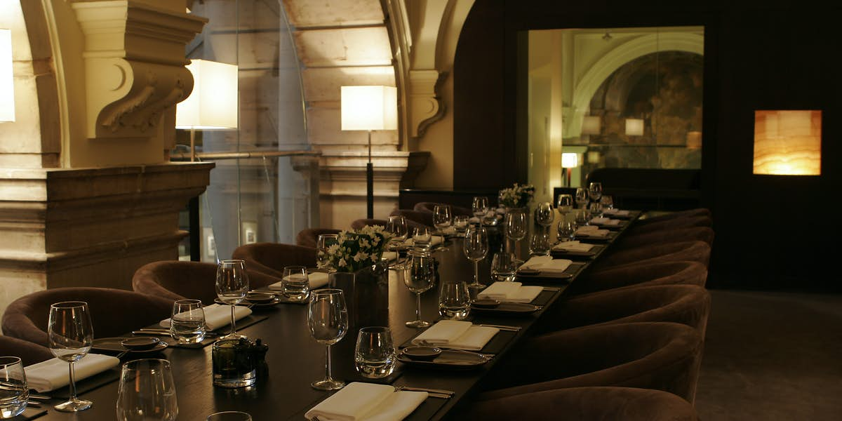 Hire the royal exchange grand cafe and sauterelle for Q dining room london