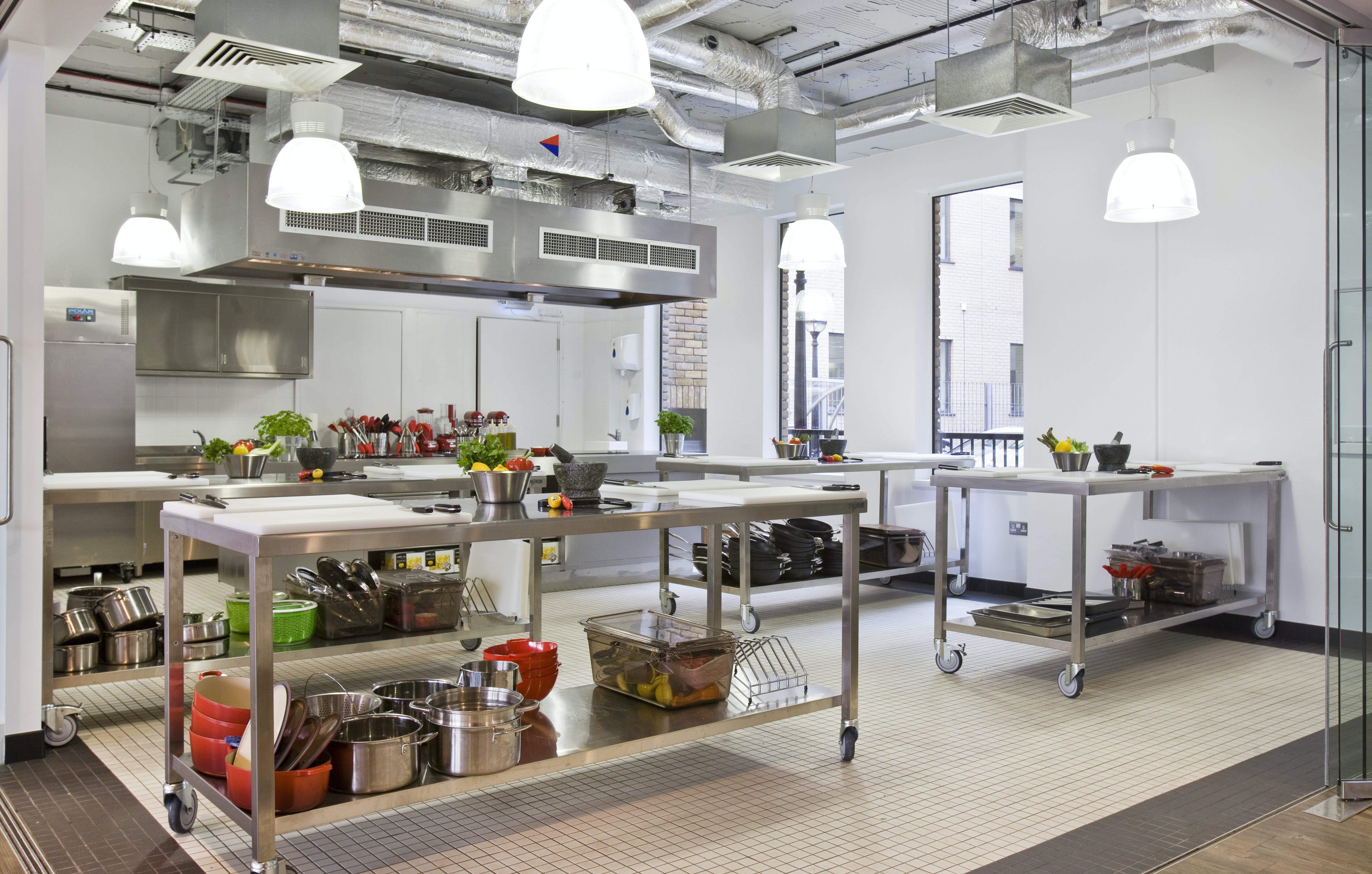 L'Atelier Des Chefs and St Paul