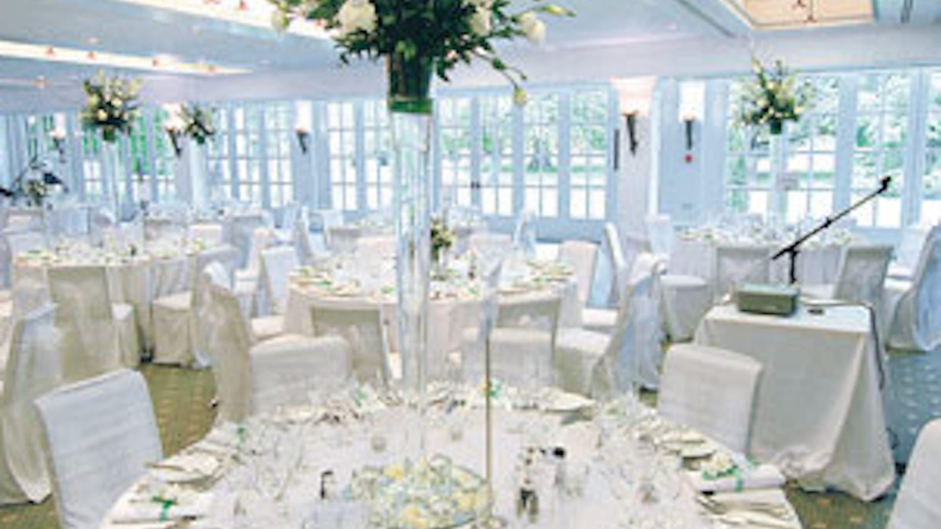 The garden room weddings hire hampton court palace for Garden rooms b q