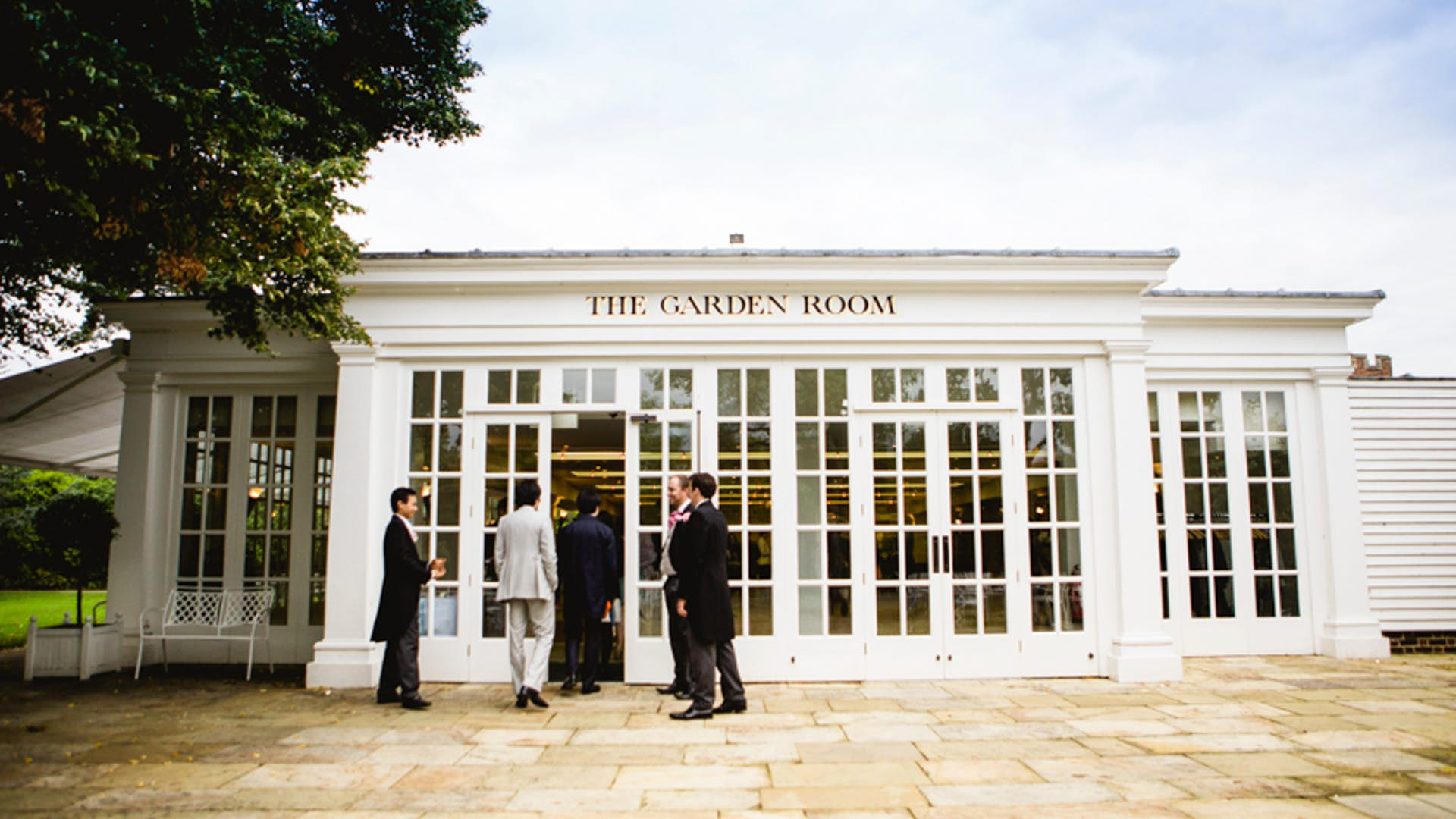The garden room weddings hire hampton court palace for The garden room