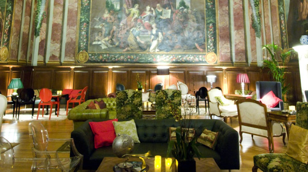 Photo of Queen's Drawing Room  at Hampton Court Palace