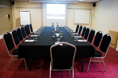Hire Space - Venue hire Meetings and Syndicate rooms at Pendulum Hotel