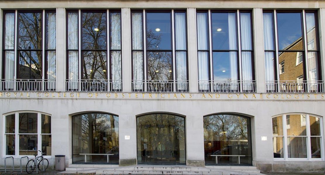 Photo of U4/U5 Collegiate Suite  at Rooms on Regent's Park