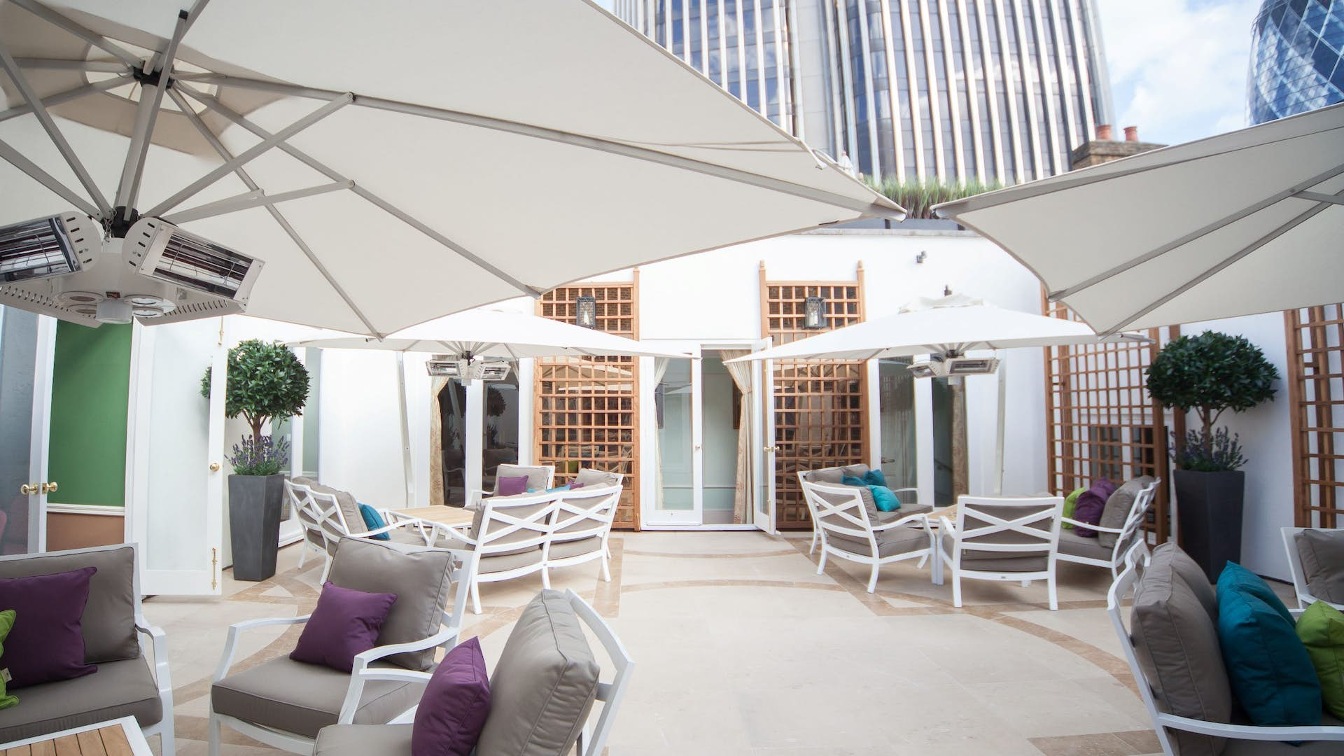 Garden room events hire city of london club for Garden pool hire london