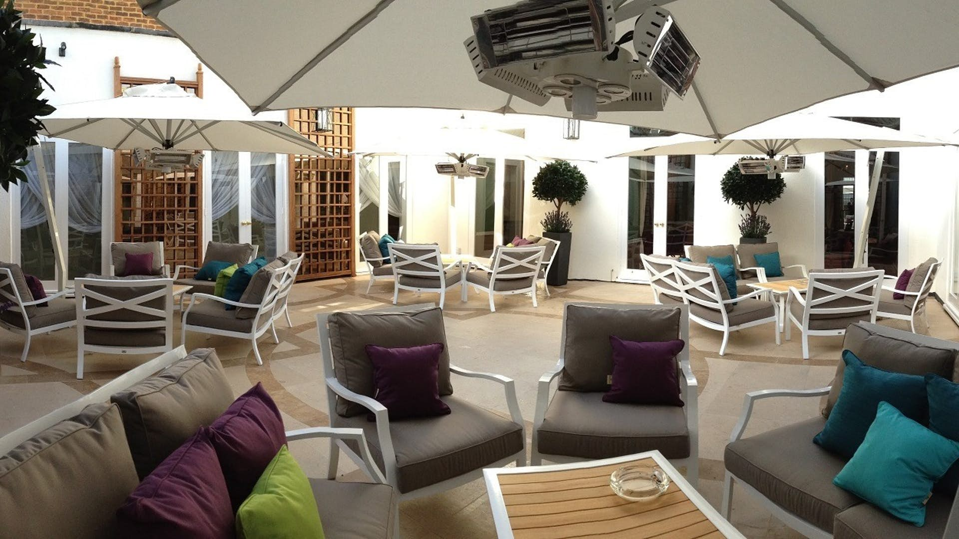 Garden room events hire city of london club for Modern garden rooms london