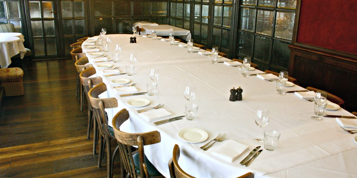 Hire les deux salons for Q dining room london