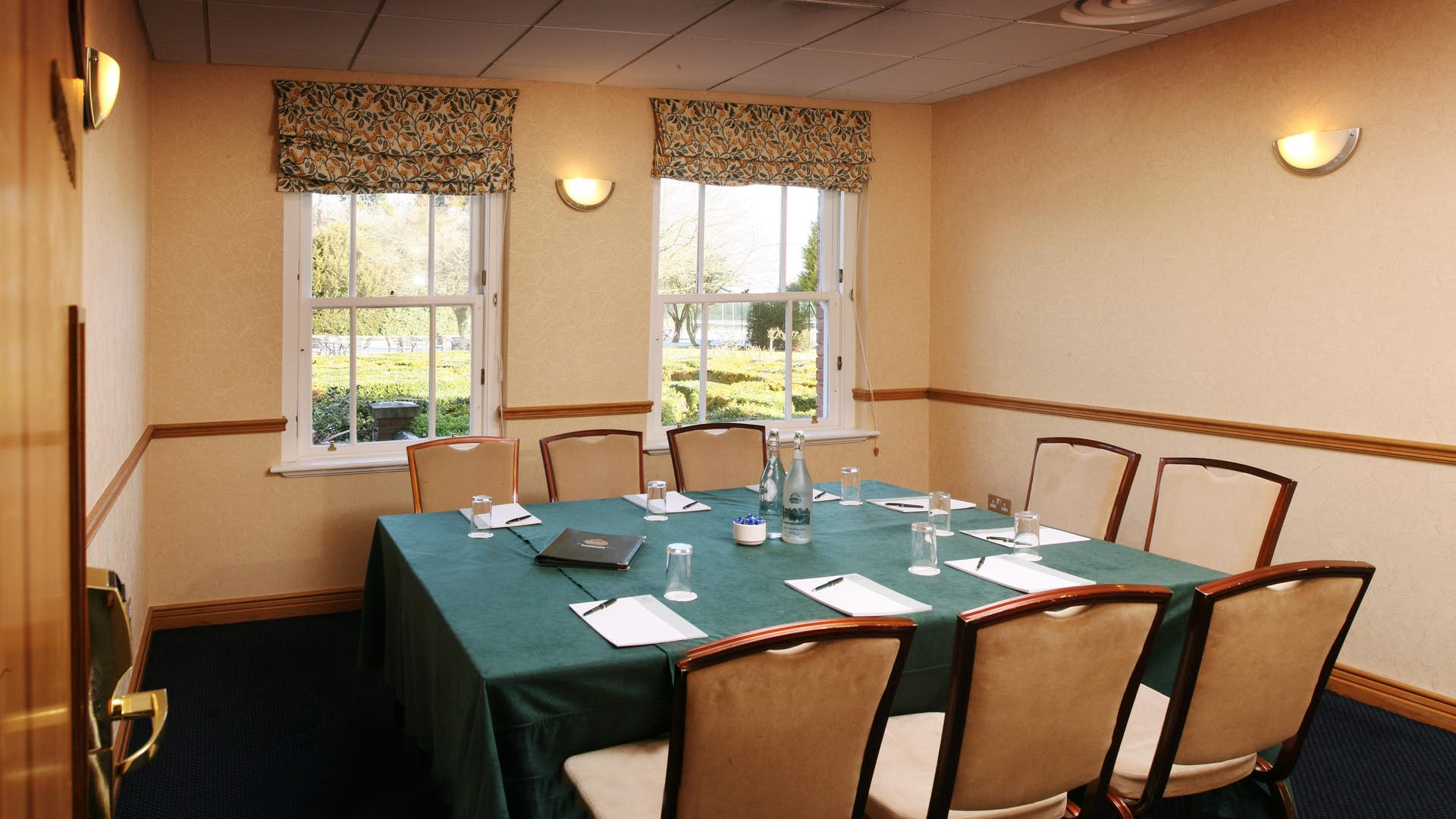 The green room business the ardencote manor hotel for The green room birmingham