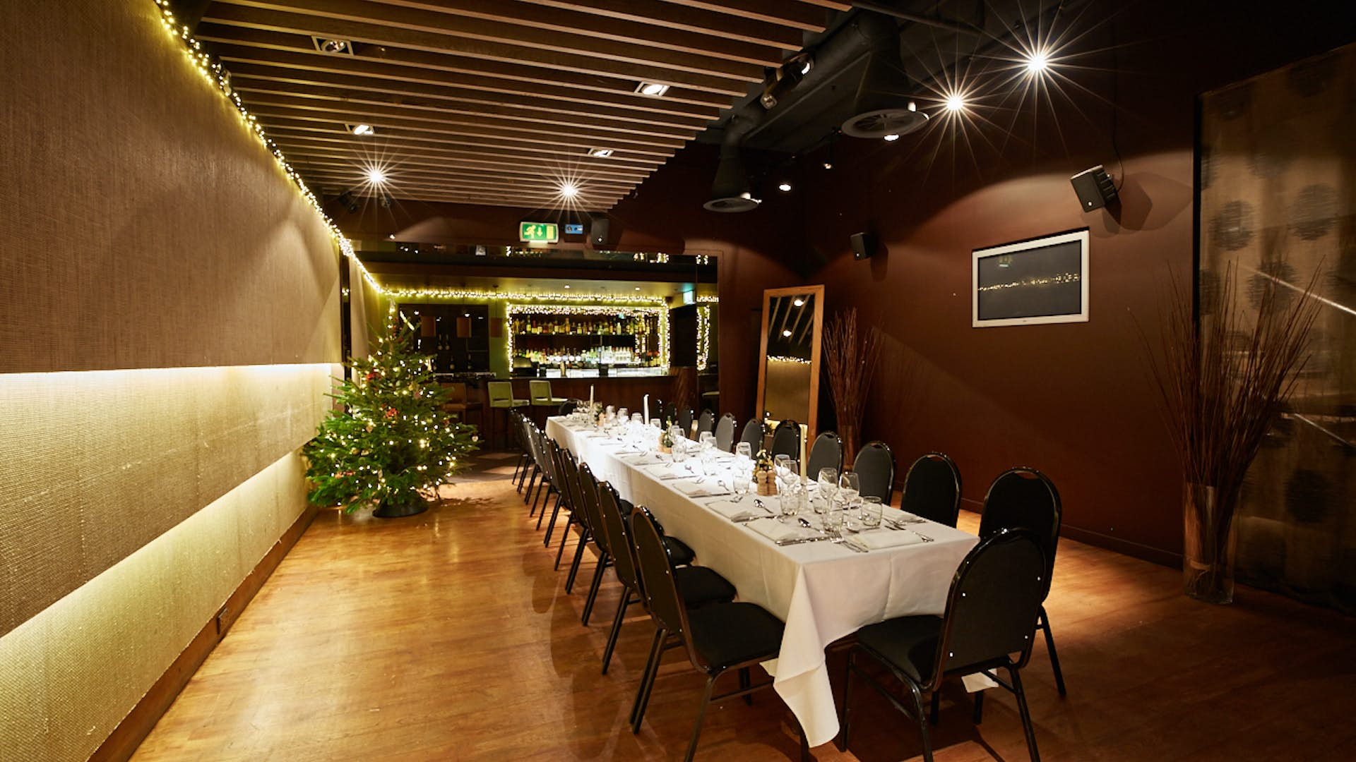 Clubroom dining hire smith 39 s bar grill for Best private dining rooms central london