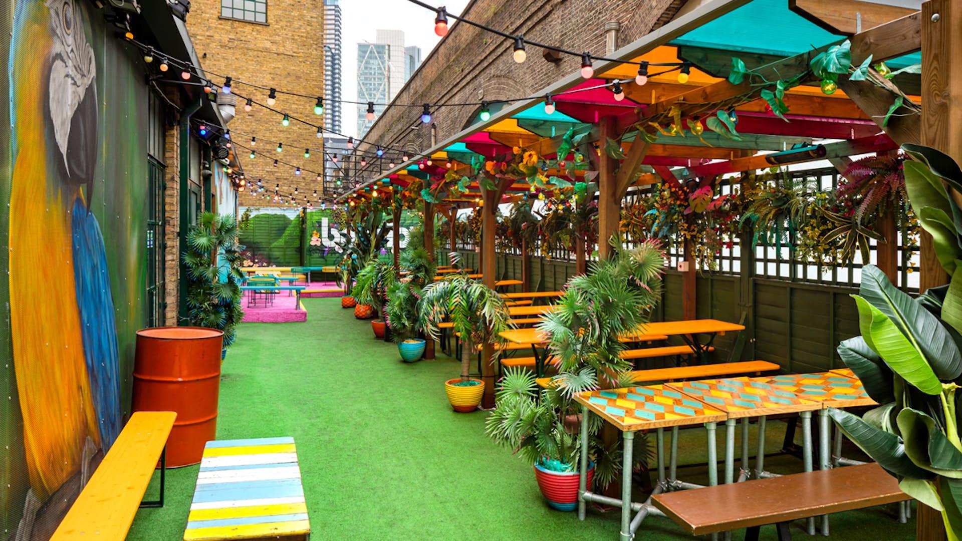 La Terraza Business Hire Barrio East