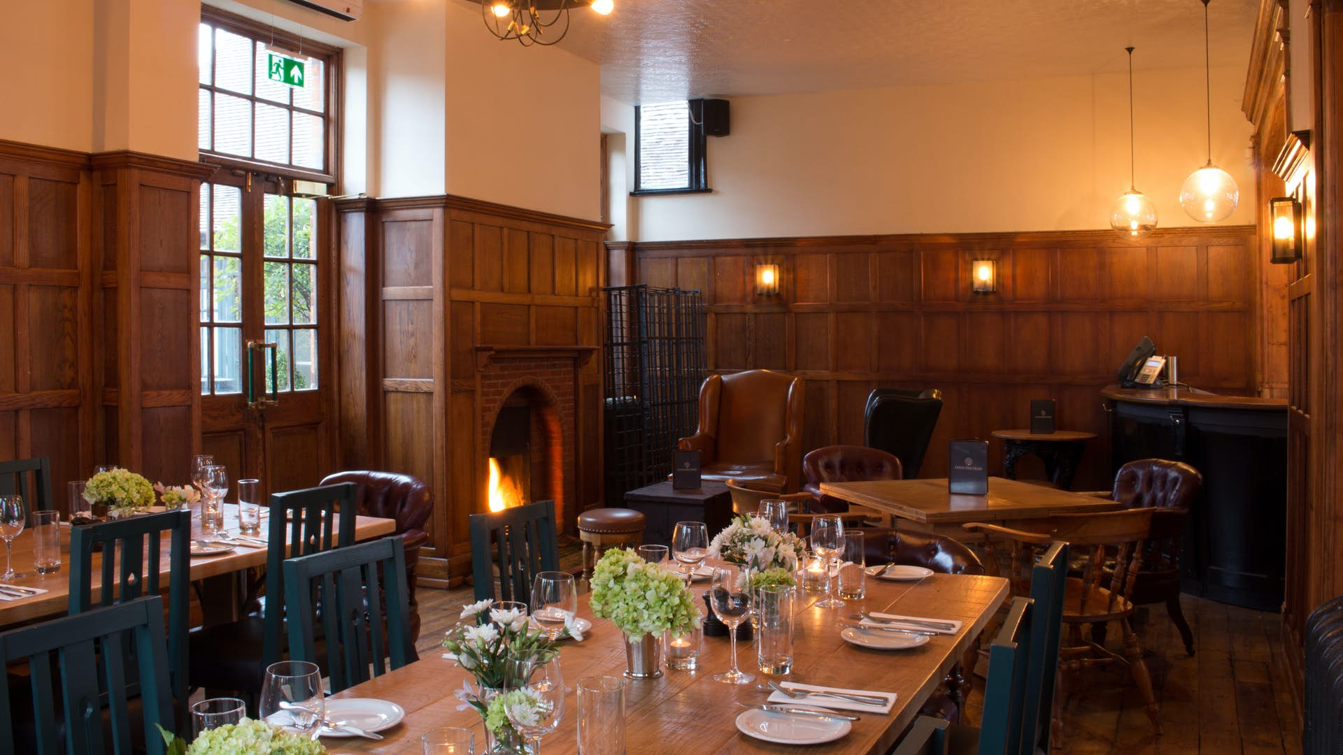 The Oak Room Events Hire Ealing Park Tavern